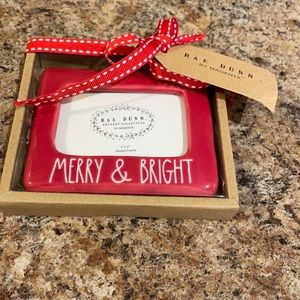 ⭐️ FIRM ⭐️ Rae Dunn Red Merry & Bright ornament